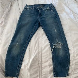 Lucky brand medium wash mid rise jeans